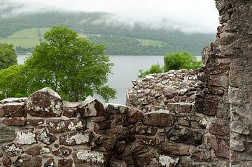 uitzicht op Loch Ness van Anita Visschers