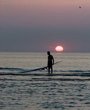 Surft nach oben von Jean Pierre Vlaun
