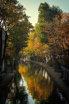 Twijnstraat aan de Oudegracht Utrecht in de herfst (1) van De Utrechtse Grachten