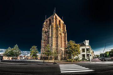De Oldehove in Leeuwarden in het avondlicht en een donkere lucht von Harrie Muis