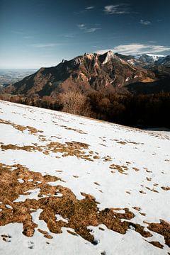 Flintsbach   Winter in de Alpen van Nanda van der Eijk