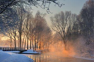 Winter Valleikanaal van Willem van Leuveren Fotografie