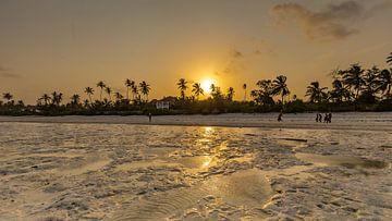 Zonsondergang op het strand van Matemwe van