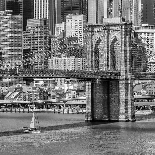 NEW YORK CITY, Brooklyn Bridge en de East River van Melanie Viola