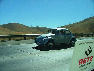 Oude Vokswagen Kever in de Californische zon (2010) van Dirk Fotografie