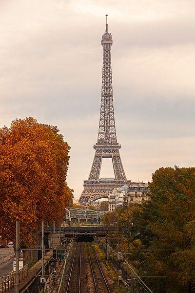 Frankrijk Eifeltoren in de herfst van Rob van der Teen
