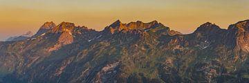 Sunrise, Allgäu Alps van Walter G. Allgöwer