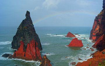 Regenboog bij Ponta de São Lourenço, Madeira van