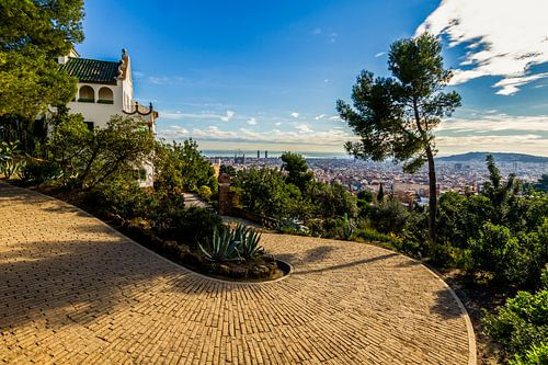 La Casa Trias in Park Güell in Barcelona van