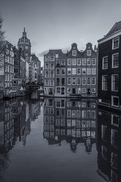 Oudezijds Voorburgwal en Zeedijk in Amsterdam - 2 van Tux Photography