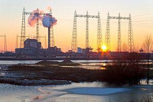Zonsondergang bij de Electrabel centrale 2 te Nijmegen