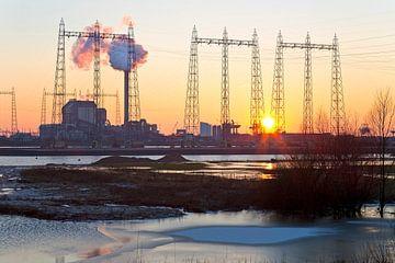 Coucher de soleil à la centrale à Nijmegen qu'Electrabel 2 sur Anton de Zeeuw