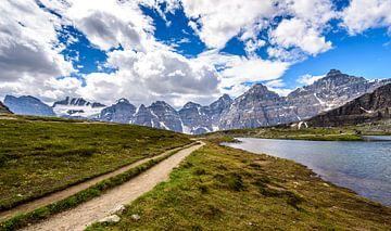 Valley of the ten peaks van Eelke Brandsma