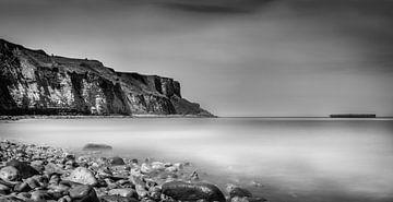 Küste von Arromanches-les-Bains von Alexander Cox