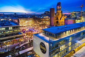 Abendfoto Weihnachtsmarkt at Gedächtniskirche / Bikini Berlin von Dennis Kuzee