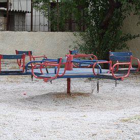 Speeltoestel in speeltuin in Griekenland van Jetty Boterhoek