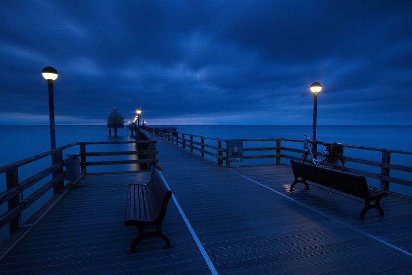 Nachts auf der Seebrücke von Marko Sarcevic