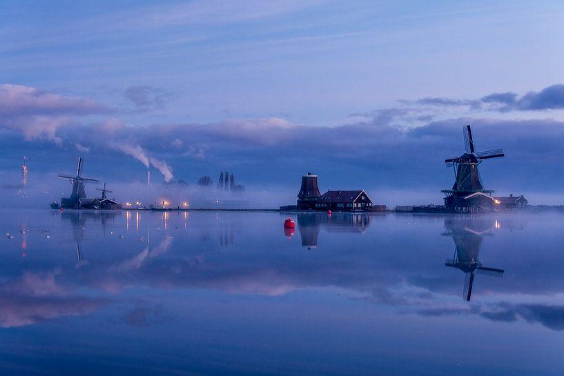 Mist, wolken en molens van Ton de Koning