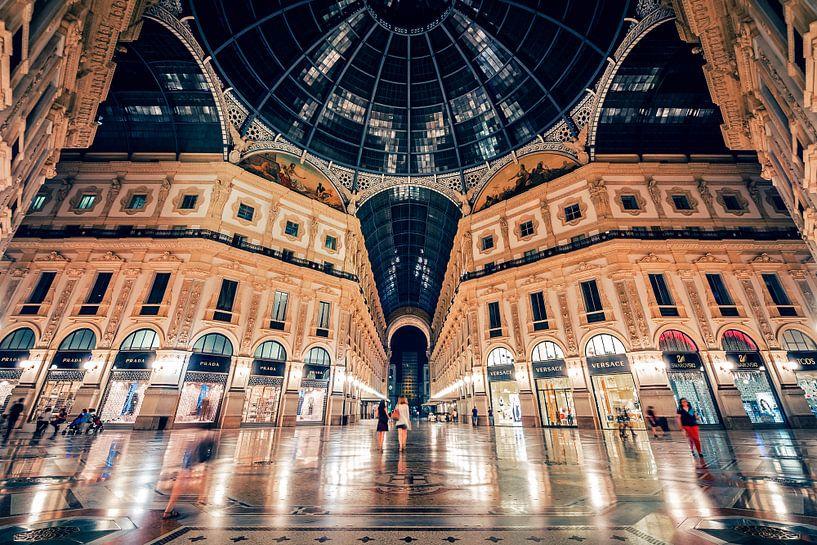 Milan - Galleria Vittorio Emanuele II van Alexander Voss