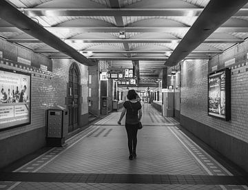 Am Bahnhof von Haarlem von Natascha Worseling