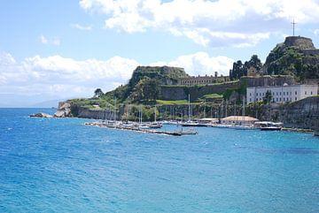 De haven van Corfu stad op het Griekseeiland Corfu sur Ingrid Van Maurik