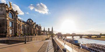 Brühlsche Terrasse und Augustusbrücke in Dresden von Werner Dieterich