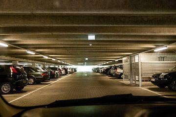 Parkplatz, Tiefgarage von Norbert Sülzner