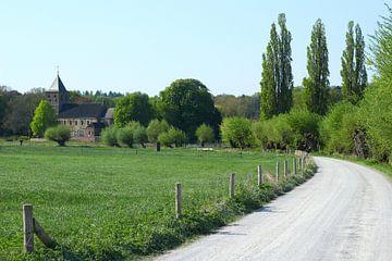 Landweg richting de Oude Kerk in Oosterbeek van Maarten Pietersma