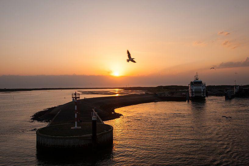 Harbour at the Island van Brian Morgan