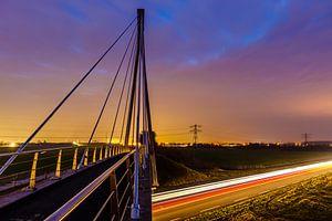 Fietsbrug in avondlicht (bridge at night)