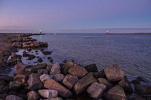 Mole an der Küste der Ostsee in Warnemünde