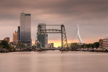 Skyline von Rotterdam von Ilya Korzelius