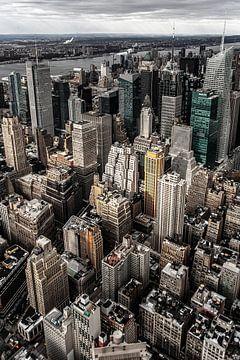 Aerial view on Manhattan New York van Conrad Dijkstra
