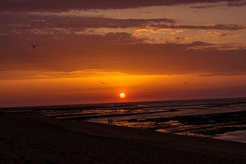 De ondergaande zon in Frankrijk van Pamella Peverelli