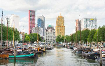 Uitzicht over het Haringvliet in Rotterdam van Ruud Morijn