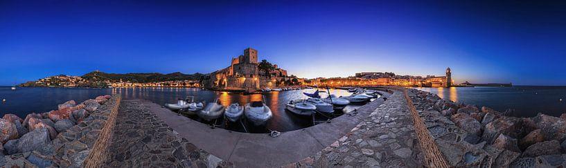 Collioure - Port et château historique à l'heure bleue sur Frank Herrmann