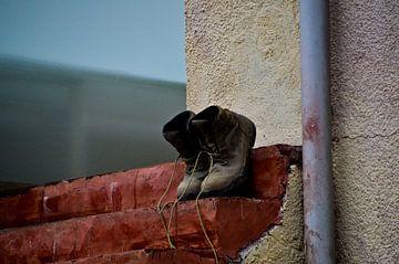 stilleven schoenen Spanje van Marieke van der Hoek-Vijfvinkel
