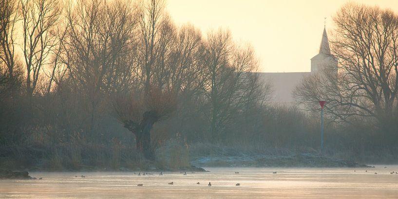 IJssel in de mist van Evert Jan Kip