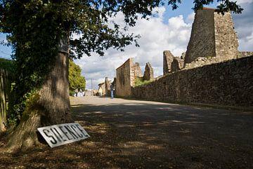 Silence - Oradour Sur Glane - Frankrijk von Hannie Kassenaar