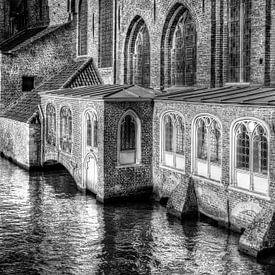 Basiliek van het Heilige Bloed, Brugge België, zwart-wit van Watze D. de Haan