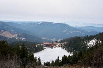 Panoramablick auf den Mummelsee im Schwarzwald von creativcontent