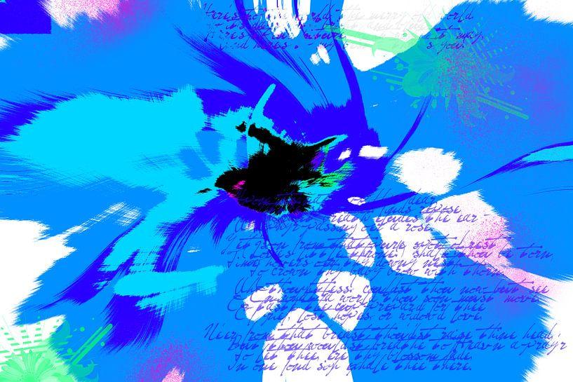 Abstract met blauw en geschreven tekst van Rietje Bulthuis