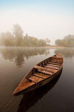 Boat on the Dordogne sur Peter Halma