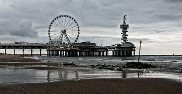 Scheveningen Pier im Jahr 2016 mit Riesenrad Farbe von Groothuizen Foto Art