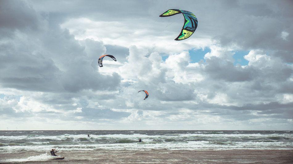 Kites van Paul Hemmen