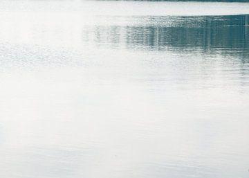 Water in rust van Akira Peperkamp