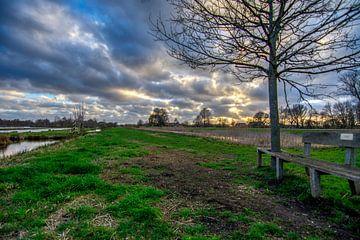 Bankje aan de rand van Westbroek. von Robin Pics (verliefd op Utrecht)