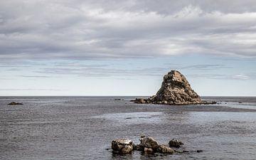 Rotseilanden in de zee van videomundum