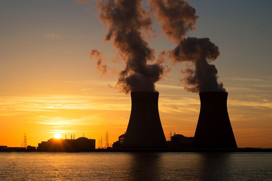 sunset nuclear plant Doel