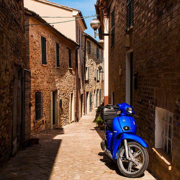 Blauw op de voorgrond en achtergrond
